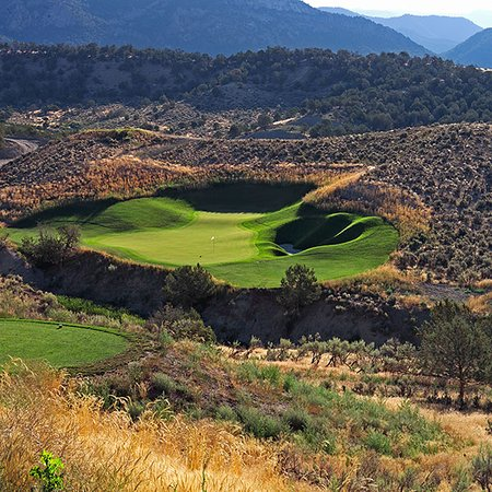 New Castle, CO: One of the tougher holes located here at Lakota Canyon!
