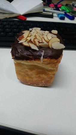 Sandringham, New Zealand: Chocolate and Almond
