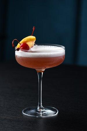 French Martini, Vodka, Chambord Liqueur, Pineapple Juice