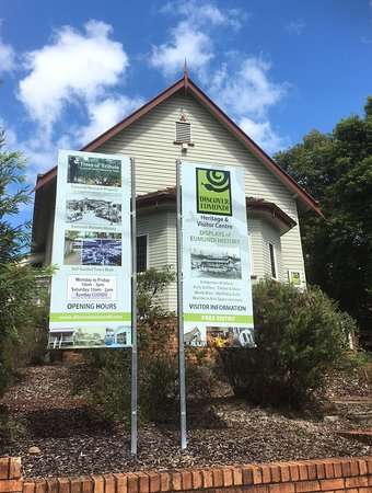 Discover Eumundi Heritage & Visitor Centre: The front of Discover Eumundi which was once a church