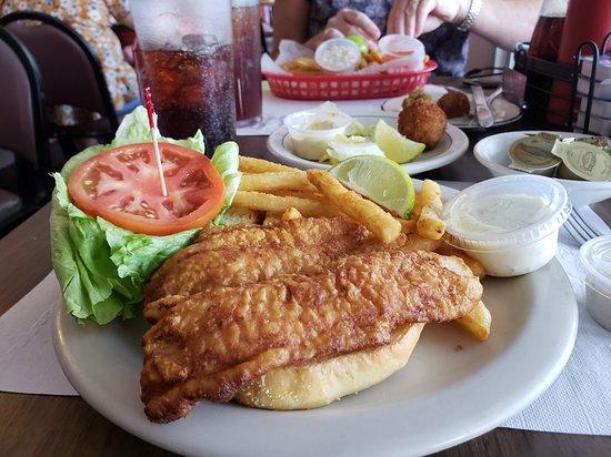 Hideout Restaurant: 20181012_120411_large.jpg