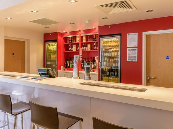 Travelodge Scarborough St Nicholas Hotel: Bar Cafe