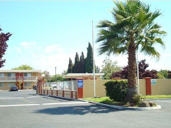 Milpitas, CA: Exterior