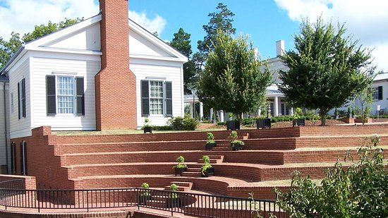 Berry Hill Resort & Conference Center: Berry Hill Steps