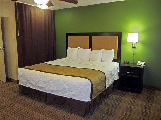 Secaucus, NJ: Deluxe Studio - 1 King Bed