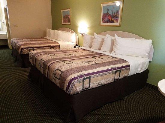 Regency Inn and Suites Yoakum Guest
