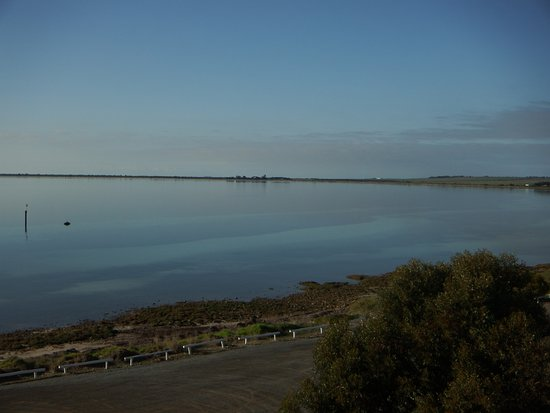 Point Turton, Australia: The view from the top road.