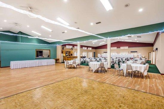 New Lisbon, WI: Ballroom