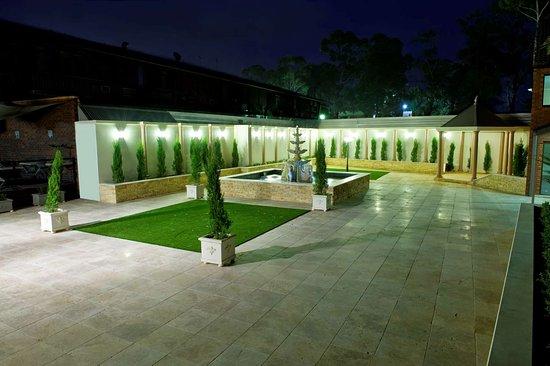 Casula, Australia: Courtyard Area