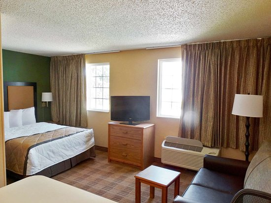 Extended Stay America - Fishkill - Route 9: Deluxe Studio - 1 Queen Bed