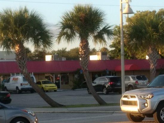 Jensen Beach, FL: The Goose Pub(back(