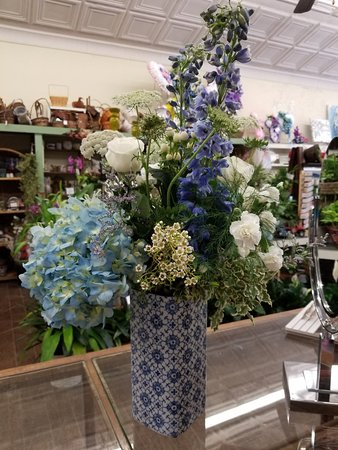 Gloucester, VA: Smith's Florist and Gift Shoppe