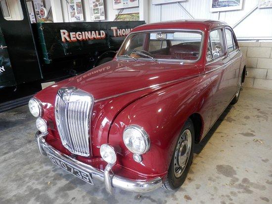 Whitewebbs Museum of Transport: Lovely old car