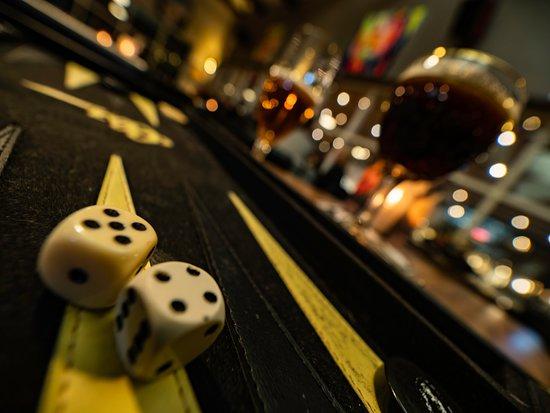 Hvidovre, Danmark: Backgammon og en iskold fadøl