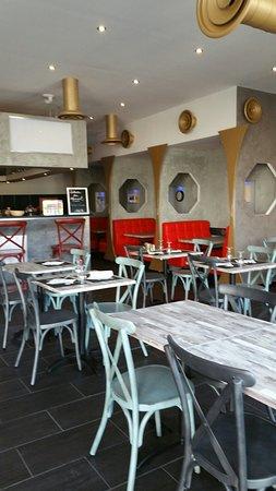 Saint-Laurent-des-Arbres, Frankreich: Brasserie Le HK