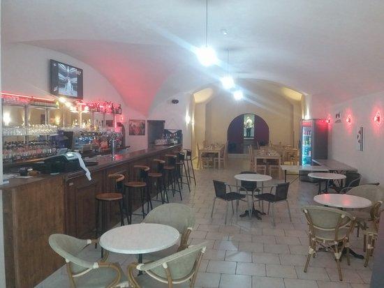 Saint-Ambroix, Frankreich: Soirée karaoké buffet à volonté