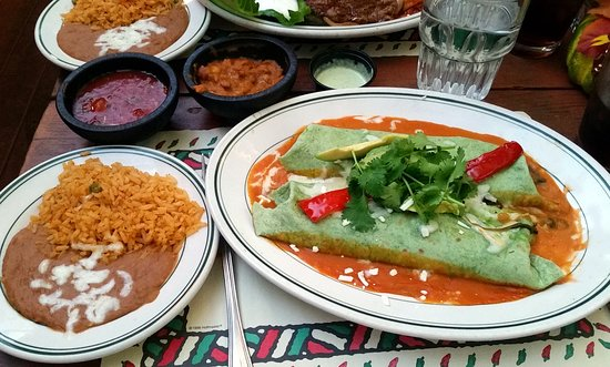 Martha's Old Mexico: Spinach enchiladas.