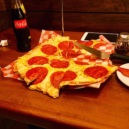 Wings & Burgers: Pizza Time!!!