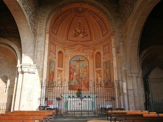 Bonate Sotto, Italia: Abside della Basilica di Santa Giulia