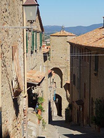 Castello Aragonese: Viuzza del borgo di Castiglione della Pescaia