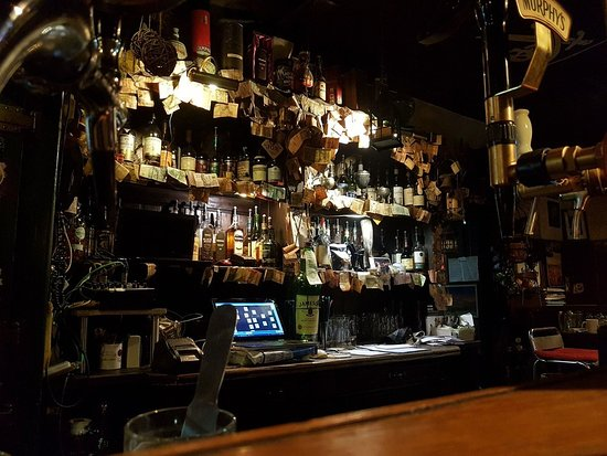 The Bogside Inn: Bar