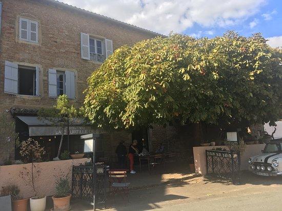 Solutre-Pouilly, ฝรั่งเศส: Entrée, terrasse