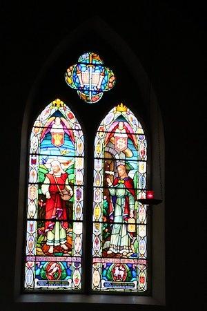 New Norfolk, أستراليا: Beautufl stained-glass window