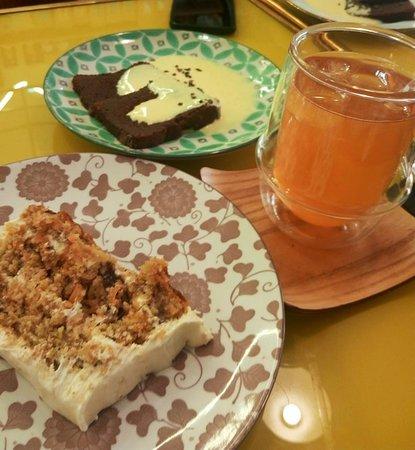 Lila Coffee Shop: carrot cake + fondant au chocolat