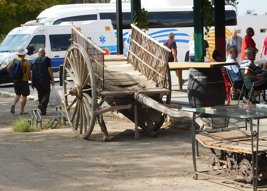 Luque, Spanien: An old wooden cart