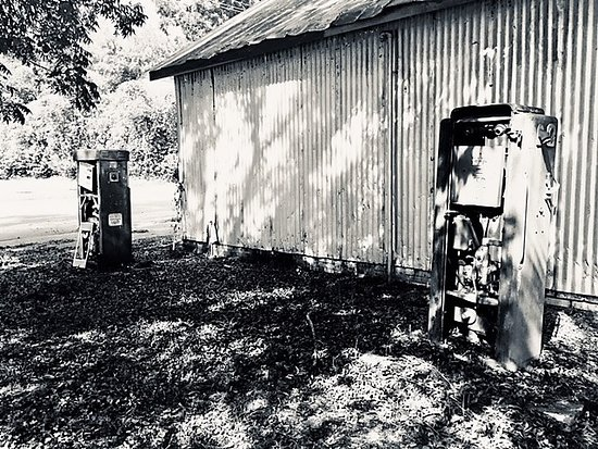 Cope, SC: Old gas pumps sit idly