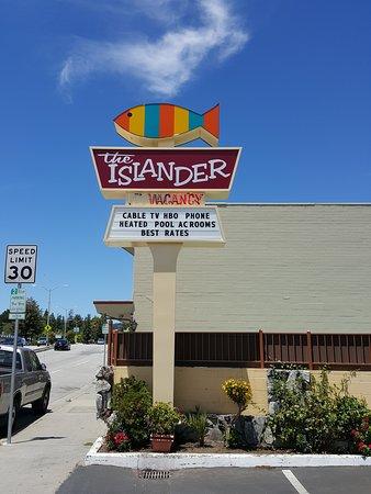 The Islander Motel: Sign