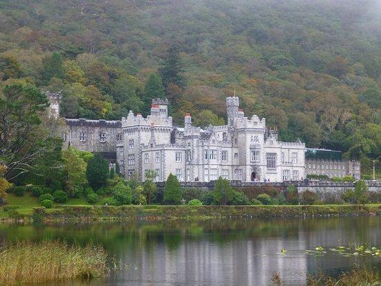 Кайлмор, Ирландия: View from lake
