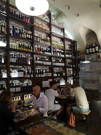 coté salle n°2 où l\'on peut manger sur place - Picture of Antica ...