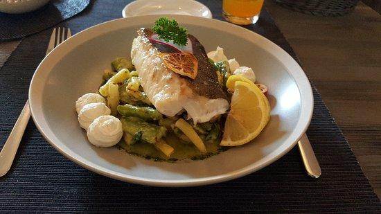 Ainazi, Lettland: Restaurant Plavas
