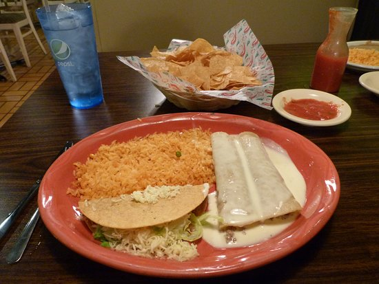 Forrest City, AR: Good service and food