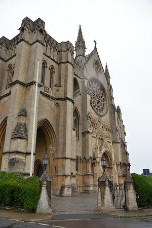 Iglesia Catedral de Nuestra Senora y Philip Howard