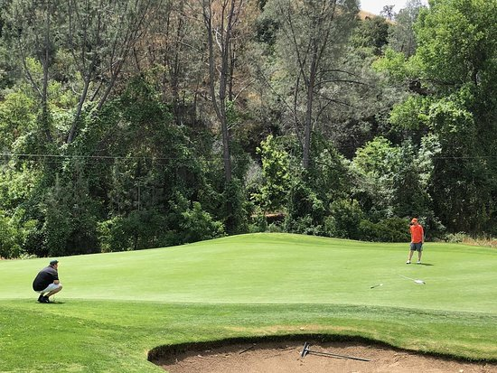 Bidwell Park Golf Course: Putting on #9