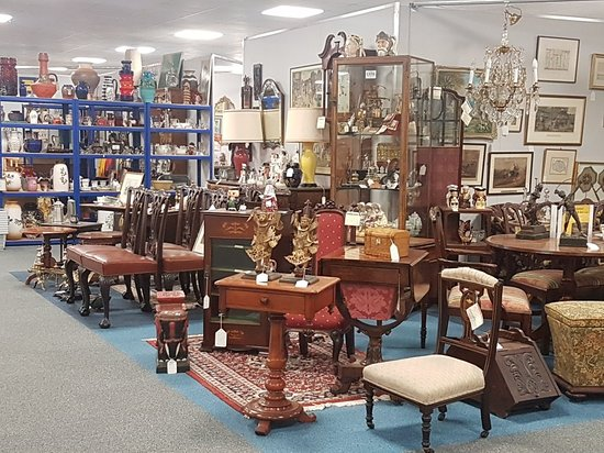 ‪The Warehouse Antiques & Collectables‬