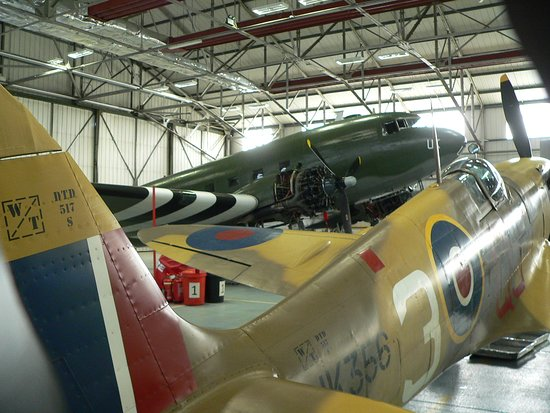 Coningsby, UK: Dakota and spitfire