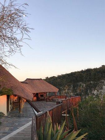 Komga, แอฟริกาใต้: Sunrise over the lodge