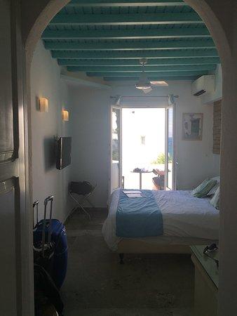 Poseidon Hotel - Suites: Standard room
