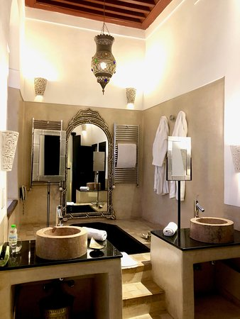 Riad Farnatchi: ThE bathroom is so big and luxury you don't want to leave!