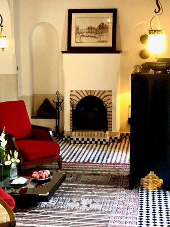 Riad Farnatchi: living area
