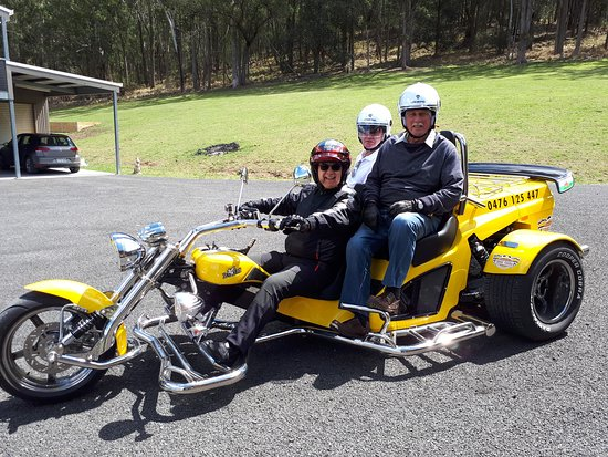 Kangaroo Valley, Australia: Us on the trike, all kitted up and ready to roll