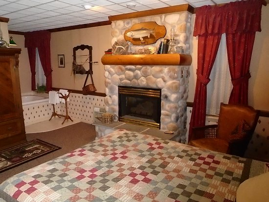 East Greenville, PA: Ontario Room at The Globe Inn