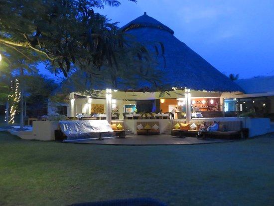 Port Havannah, วานูอาตู: Restaurant at night