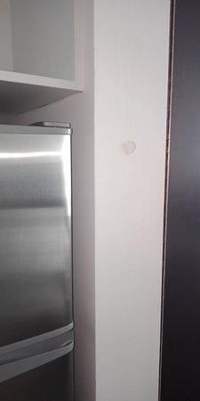 Gerringong, Australia: Repairs needed around the rooms