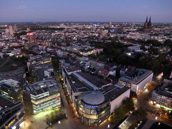 Mediapark Köln: レストラン「Osman30」からの眺め