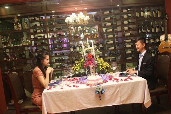 3Vins Restaurant & Wine Bar: engagement