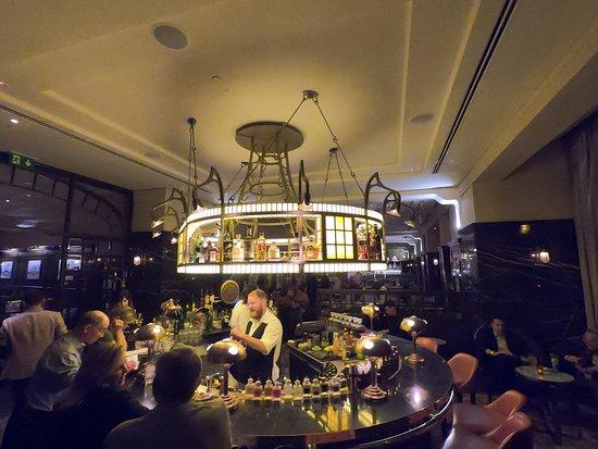 KOLLAZS - Brasserie & Bar: The charming bar area